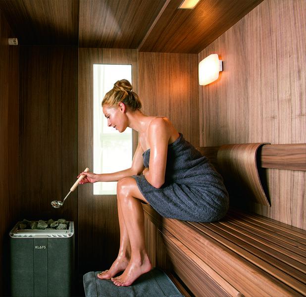die sauna der zukunft passt einfach berall die neue sauna s1 von klafs newsroom home. Black Bedroom Furniture Sets. Home Design Ideas